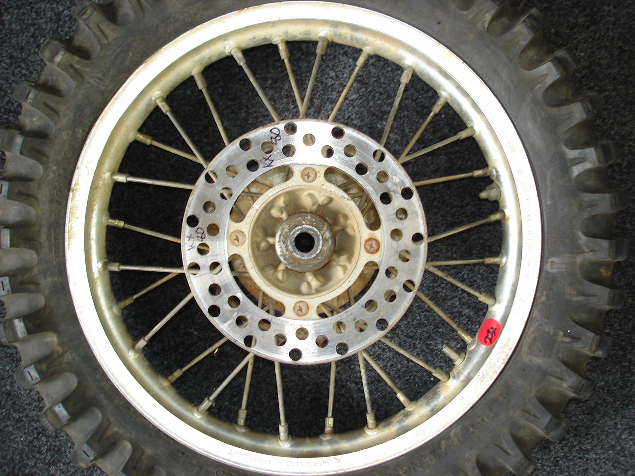 TYRE CHANGE & RIM CLEAN DIRT BIKE